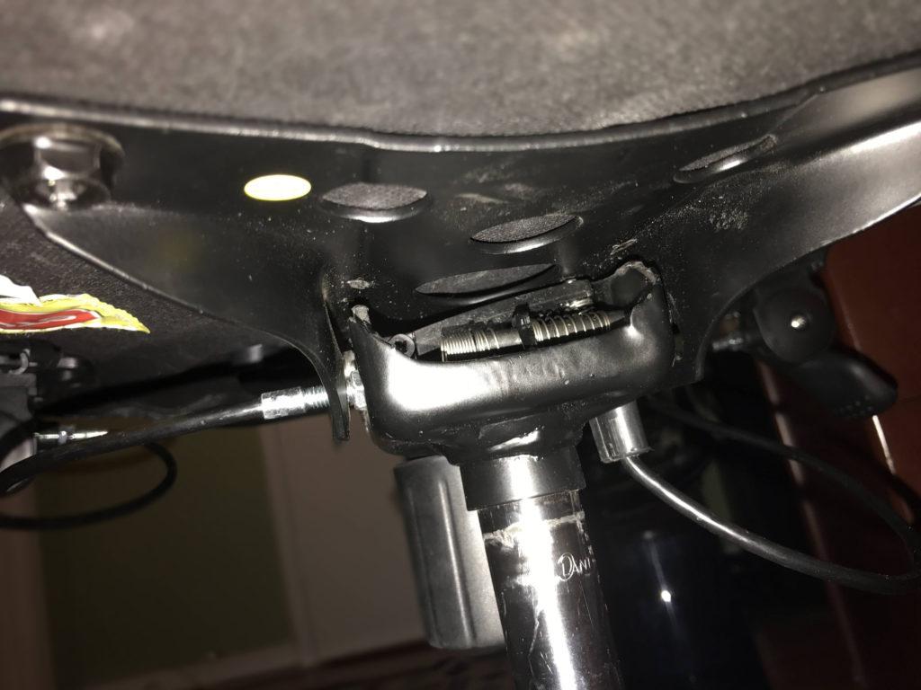 mekanis kursi rusak